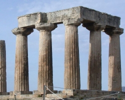 Языческий храм в Коринфе